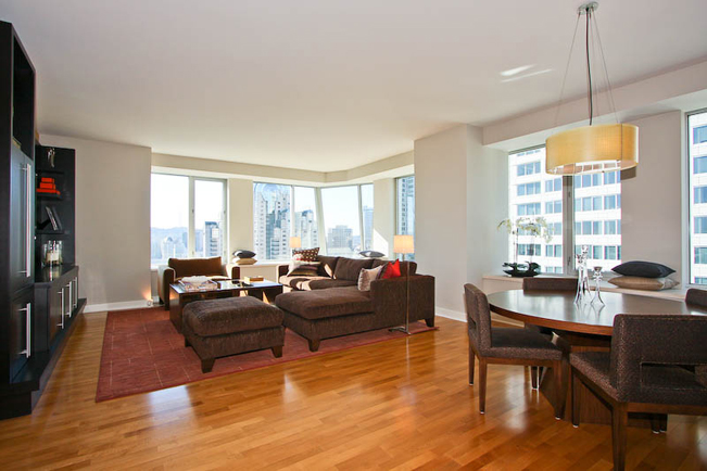Dining room, high-rise, cityscape, city view, Casual, Custom Built in, built-in, contemporary living room, modern materials,